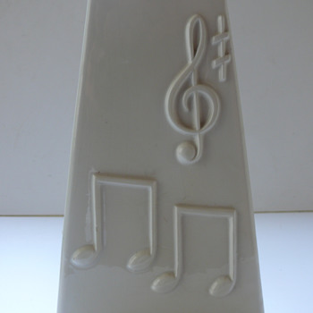 an italian melody - Art Pottery