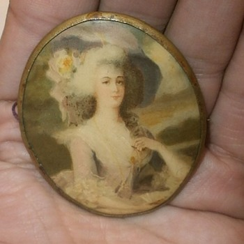 HELP! Can you identify the time period or maker? Cameo #1 - Art Nouveau