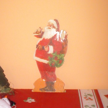 "12"" Cardboard Stand Up Santa Claus"