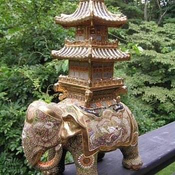Elephant pogoda  lamp