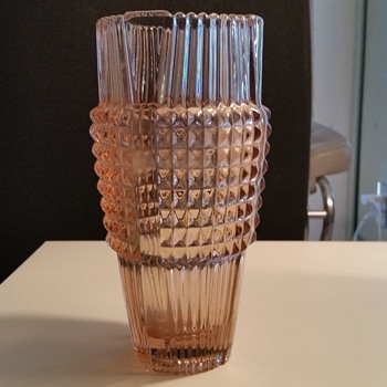 Pink Depression glass vase 11.5 H thick glass, ground bottom