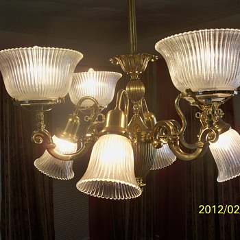Brass 8 globe Lightolier Chandelier - Lamps