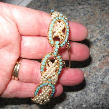 Ciner Torquise & Pearl Bracelet