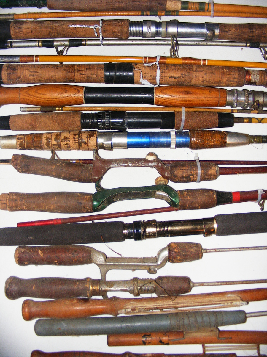 Looking for a vintage fishing tackle collector for Fishing poles near me