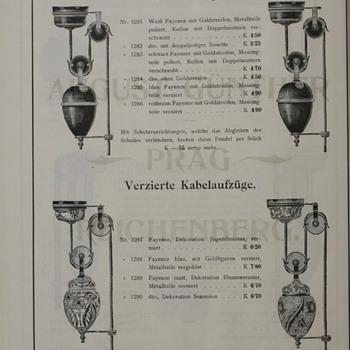Opalescent Art Nouveau Shade with Moorcroft Florianware Monte et Baisse
