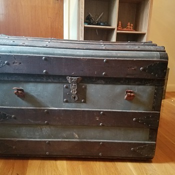 Vintage zinc trunk