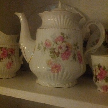 Limoges/Haviland Tea set