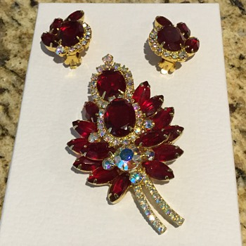 LOVE MY RED - Costume Jewelry