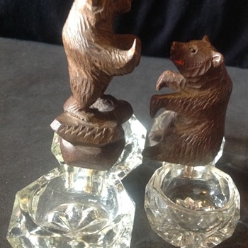 Salt and pepper with your Black Forest bear? - Animals