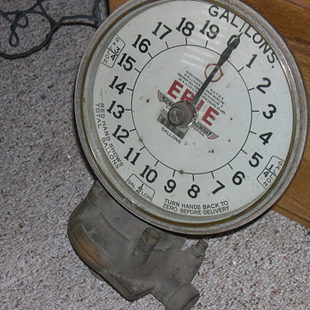 Old gas pump dial,Harley Davidson,60&#039;s chopper springer,old 315 HEMI - Motorcycles