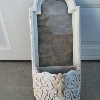 young girls vanity mirror or room display? - Furniture