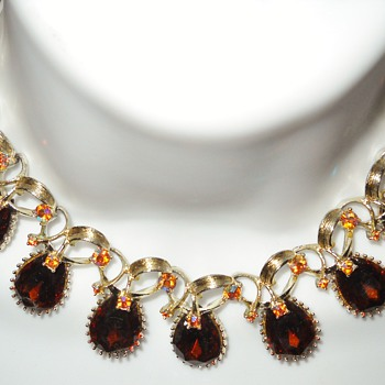 VINTAGE TOPAZ CHOKER NECKLACE - Costume Jewelry