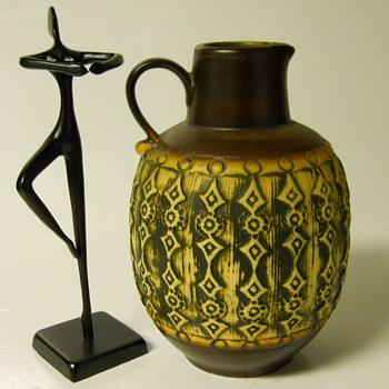 "Jaspa Art Pottery Vase""Cilli Wörsdörfer"" Circa 1950s"