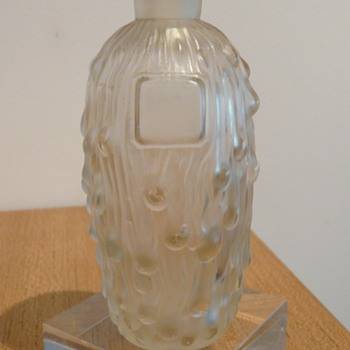 "A Perfume Bottle ""Berylone"" by Isanbel Paris - Art Glass"