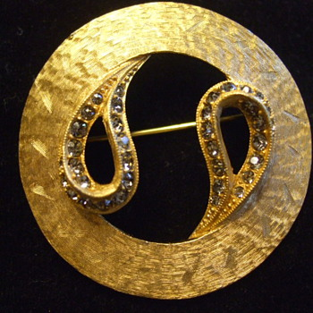 "Amazing and Classic Jerry ""DeNicola"" Bejewelled Brooch - Costume Jewelry"