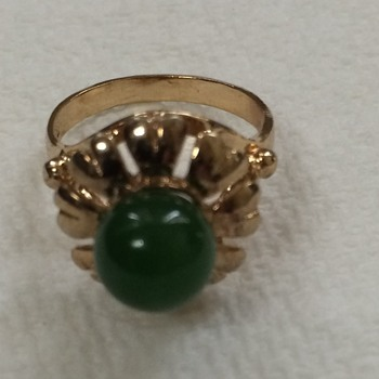 18kt Gold and Jade RingHere - Fine Jewelry