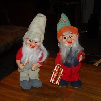 A Pair of Elves - Christmas
