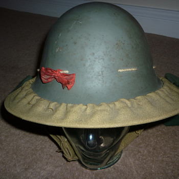 Brtish WW11 Civil Defense helmet - Military and Wartime