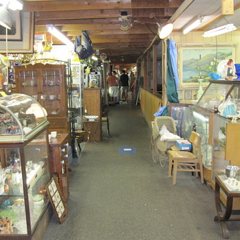 Renninger's Antique Market in Adamstown, PA