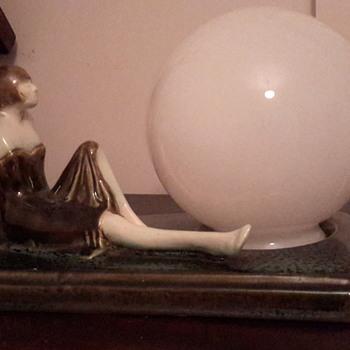 Love Art deco lady lamp - Art Deco