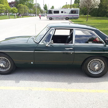 1969 MGB GT. Weekend picnic basket transporter. - Classic Cars