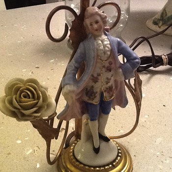 Vintage lamp with porcelain figurine