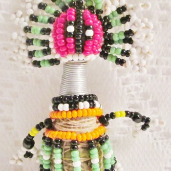 Ndebele fertility doll from South Africa - Figurines