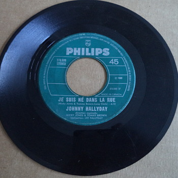Johnny Hallyday ?– Je Suis Né Dans La Rue / Viens