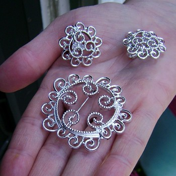 Sarah Coventry Brooch & Earrings - Silvery Mist