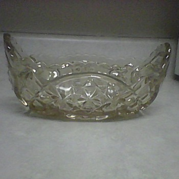 SCALLOPED RIM BOWL - Glassware