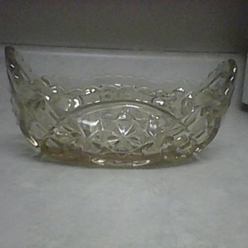 SCALLOPED RIM BOWL - Glassware