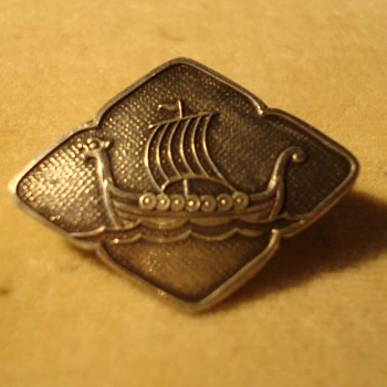 Norwegian Silver Pin - maker unknown - Fine Jewelry