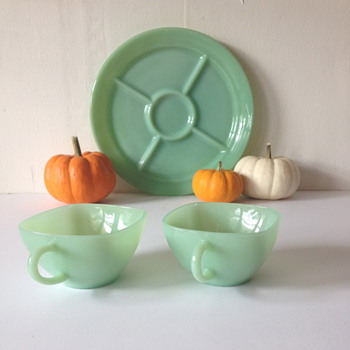 Small Fire King Jadeite Collection - Glassware
