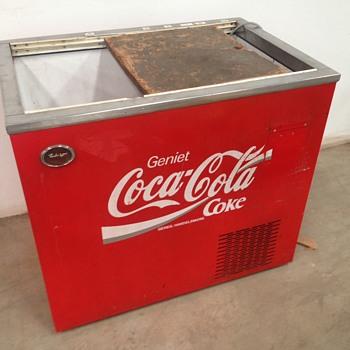 New Fridge, Anyone know the origins? - Coca-Cola