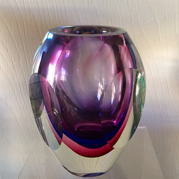 MCM Italian Murano? Cut Faceted Cased Alexandrite Vase - Art Glass