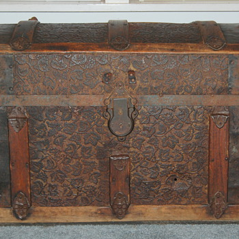 1937 Trunk?  - Furniture