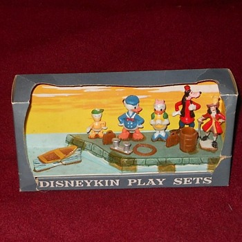 Donald Duck and Friends Disneykin Play Set Marx 1961 - Toys