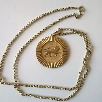 Frederich Speidel Lion Medallion & Chain $2.00