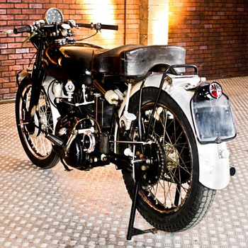 1954 Vincent Black Shadow C