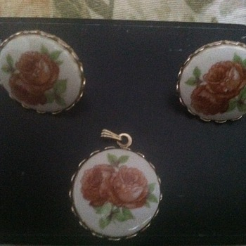 hand painted ear rings and necklace antique  - Fine Jewelry