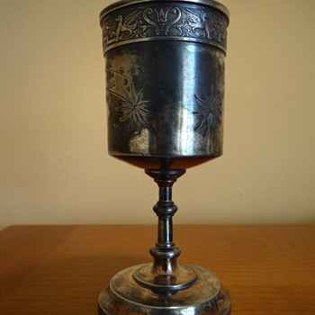 REED &amp; BARTON GILT CUP