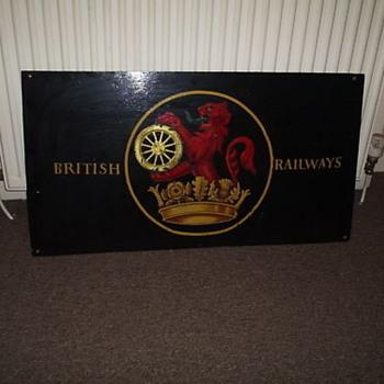 BRITISH RAILWAYS LION AND WHEEL SIGN - Railroadiana