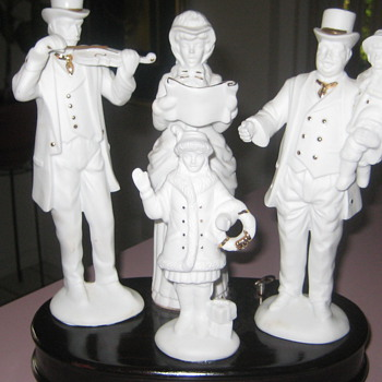 Christmas carollers music box