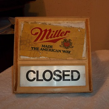 OPEN/ CLOSED SIGN