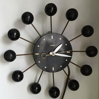 Mid century modern Snider clock.