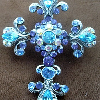 Beautiful Shades of Blue Rhinestone Cross Brooch, 1960's - Costume Jewelry