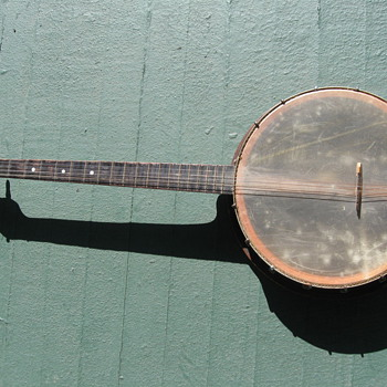 I need help identifying my newly found banjo...  - Guitars