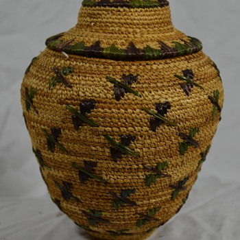 Alaskan Bird Basket with Lid