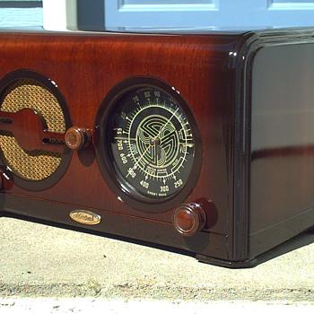 1935 ADMIRAL MODEL A-31 RADIO - Radios