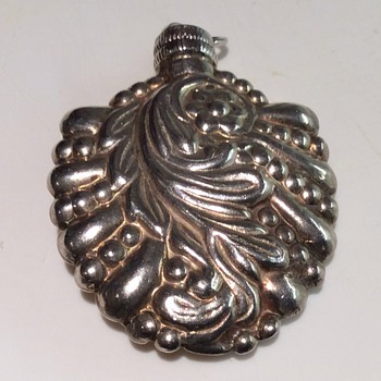 Silver Perfume bottle pendant - Bottles